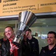«За ЦСКА, за родину, от души!» Армейских баскетболистов триумфально встретили в Москве